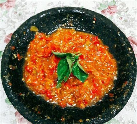 Bahkan ada juga masakan khas sunda jaman dulu yang menggunakan cabai sebagai bumbu utama. 2 Resep Sambal Goang Dadakan Khas Sunda Special Pedas