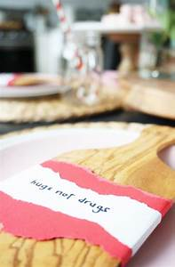 A playful Valentine's Day breakfast nook – almafied.com