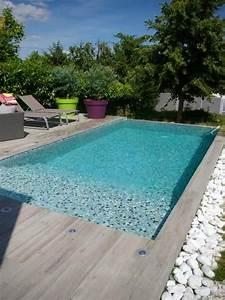 les 25 meilleures idees de la categorie margelle piscine With idee deco jardin contemporain 6 piscine forme bassin de nage traditionnel piscinelle
