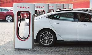 Borne De Recharge Tesla : bornes de recharge tesla elon musk s vit contre le stationnement abusif ~ Melissatoandfro.com Idées de Décoration