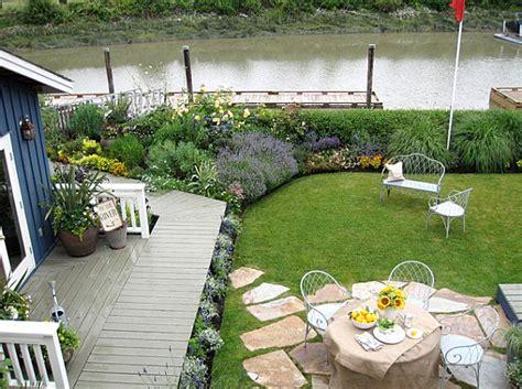 Landscape Design For Small Backyard - backyard landscaping design ideas charming cottages and sheds