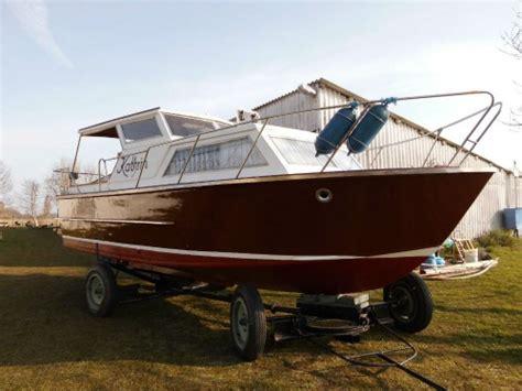 J Boats 88 Gebraucht by Gepflegtes Vorderkaj 252 T Motorboot Aus Holz Marktplatz