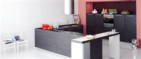 d馗o cuisine ouverte aviva cuisine semi ouverte sur salon photo 3 12 le modèle cora cumule l 39 avantage d 39 une cuisine