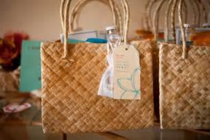 destination wedding welcome bags diy hawaii destination wedding welcome bags afterglobe