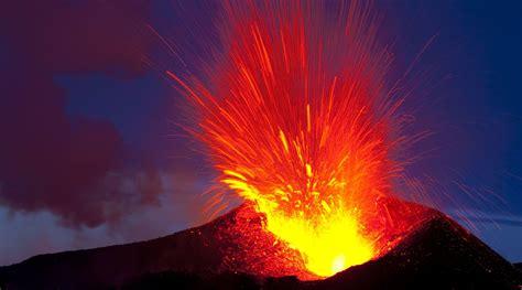 900 jahre lang war der vulkan fagradalsfjall in island inaktiv, in der nacht ist nun die oberfläche auf einer länge von 500 metern aufgerissen und. Vulkan | Island | Utbrudd | Katla | Öræfajökull - Vitenskap