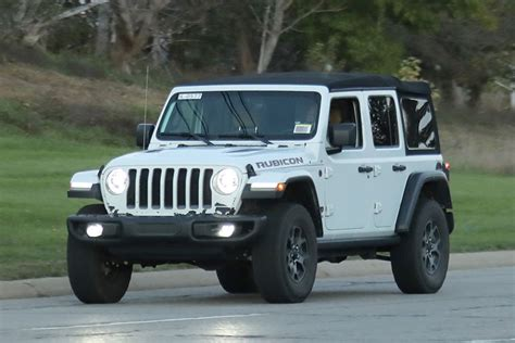 white jeep 2018 spy shots entire 2018 jeep wrangler lineup uncovered