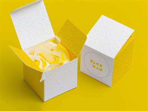 Packaging mockups, macbook, iphone, logo mockups & many more. Download free paper box mockup set