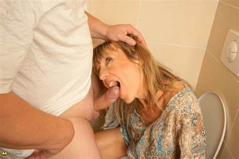 Like My Old Mum In Toilet Fidelity Milf Bombshell Sex On A Toilet