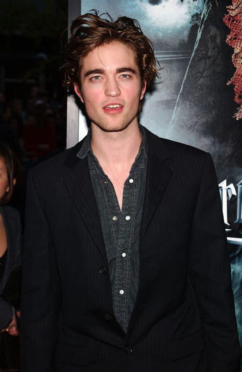 Robert Pattinson - Robert Pattinson Photos - Warner Bros ...