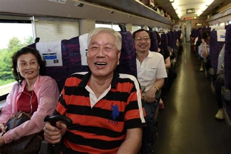 high speed rail sees 880 000 passenger trips between mainland hong kong in two weeks