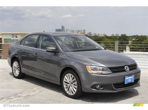 2011 Platinum Gray Metallic Volkswagen Jetta Sel Sedan