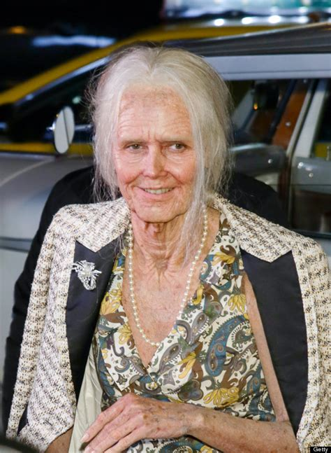 Heidi Klum Transforms Herself Into Old Lady For Annual