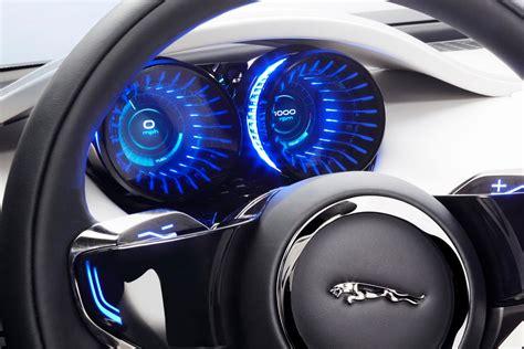 jaguar  pace crossover based    concept  launch