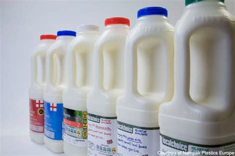 milk carton cardboard vs plastic what s best for your milk mymusic