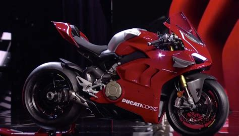 Ducati Panigale V4r by Ducati Unveils Panigale V4r For 2019 Superbike Magazine