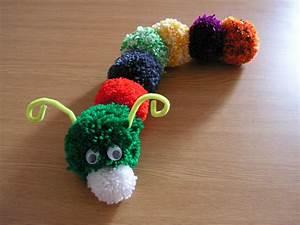 Faire Des Pompons : bonjour que faire de simple avec de la laine et paluches ~ Zukunftsfamilie.com Idées de Décoration