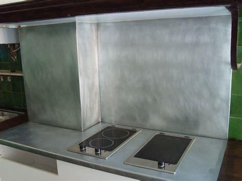 cuisine en zinc plan de travail en zinc dans une cuisine le dire c 39 est bien le fer c 39 est mieux