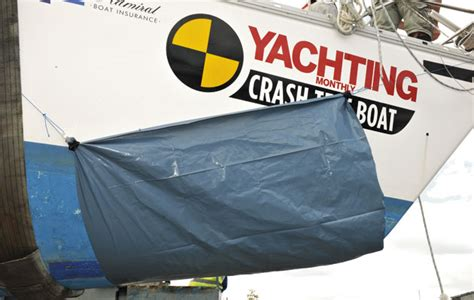 Sinking Boat Test by Crash Test Boat Holed And Sinking