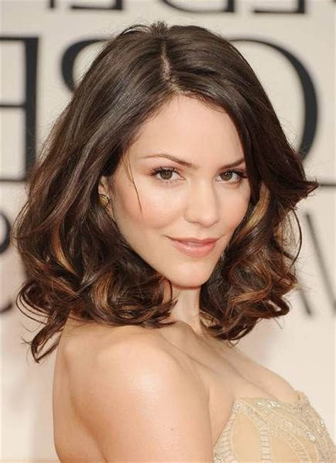 shoulderlength hair styles 60 popular shoulder length hairstyles 7302