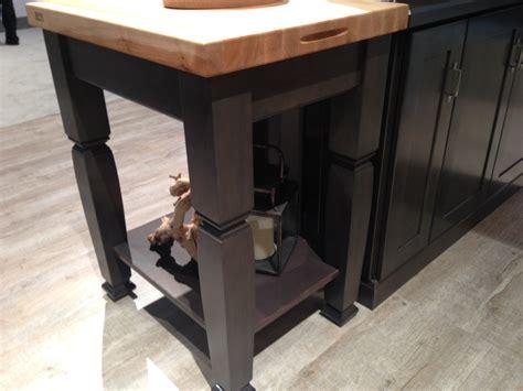 kitchen kraft cabinets ibs kbis 2015 day 1 product finds builder magazine 2111