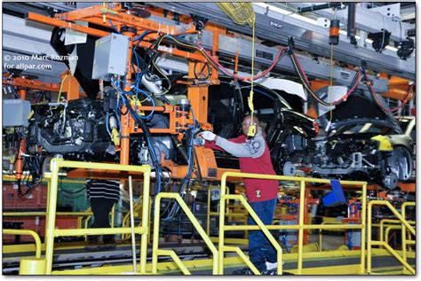 Sterling Heights Chrysler Plant by 2011 Chrysler 200 Dodge Avenger Assembly Line Photos And
