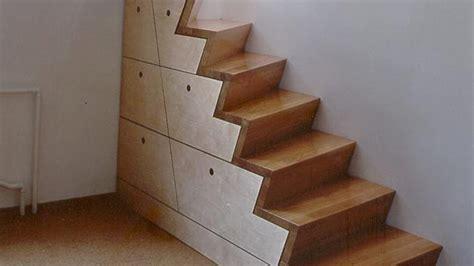 einbauschrank unter der treppe  nutzen sie den raum
