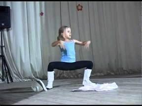 Little Girl Dancing Like Michael Jackson