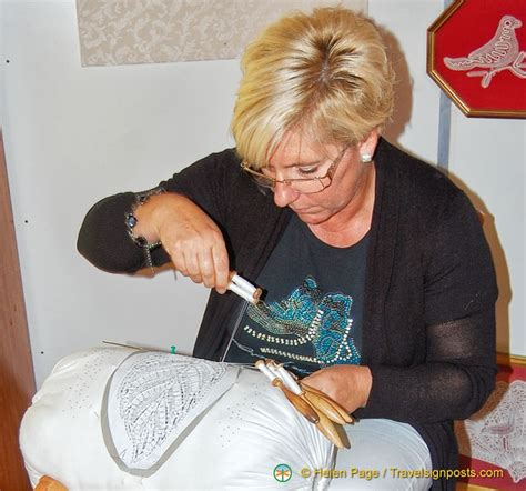 lace making demonstration