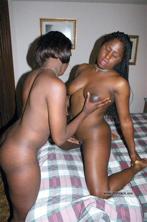 Private Home Video Real Ebony Wives Posing Nude For Their Big Size Picture