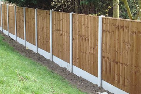 Garden Fencing In Radstock-checkatrade Approved