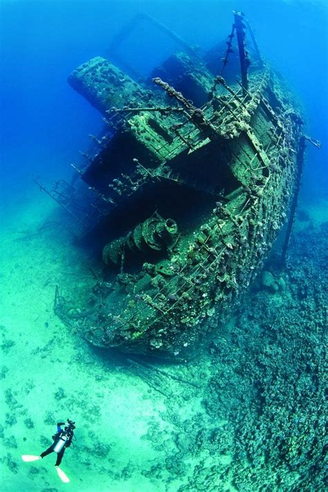 underwater wreck photography tips  alex mustard