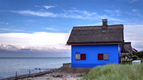 Blaues Haus Am Meer Foto & Bild  Urlaub, World, Ostsee