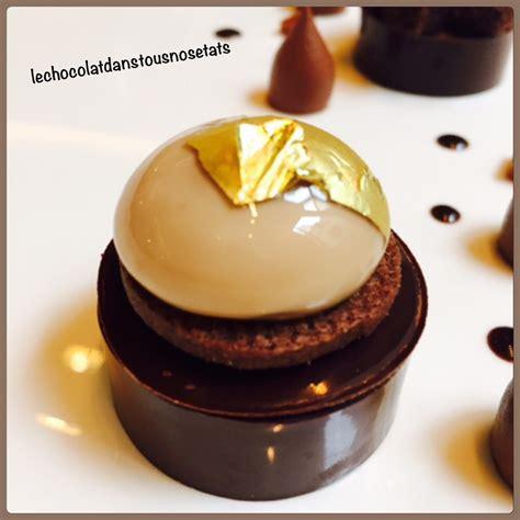 dessert de restaurant gastronomique le chocolat guanaja en cr 233 meux sph 232 re caramel 224 la fleur de sel biscuit cacao julien chamblas