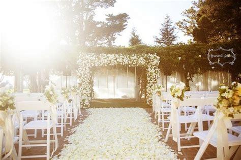 picture of wedding aisle petals decor ideas