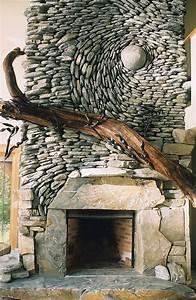 Muri rivestiti con pietre a mosaico