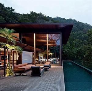 Rainforest Dwelling Amb House Designed By Bernandes
