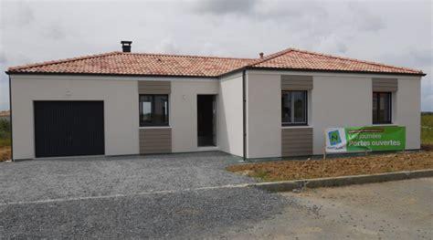 Maison Crepi Blanc Et Gris