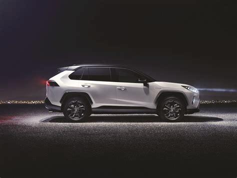 Toyota Rav4 Specs & Photos