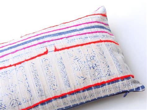 teinture housse canapé des coussins ethniques en tissu hmong joli place