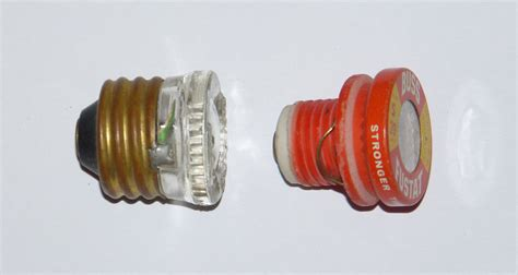 Edison-base-and-type-s-fuses.jpg
