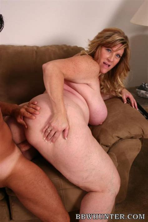 Mature Bbw Deedra Spreading Her Ass Wide And Takes Cock