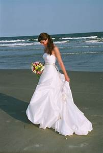 beautiful and relaxed beach wedding dresses With beautiful beach wedding dresses