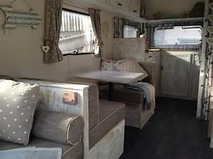 Aménagement Intérieur Caravane : caravane d co pour un style vintage et printanier ~ Nature-et-papiers.com Idées de Décoration