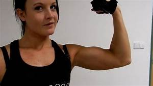 20 years old fitness girl flexing her biceps - YouTube