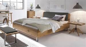Bett Industrial Design : vollholzbett aus wildeiche mit kopfteil und stahlkufen valletta ~ Sanjose-hotels-ca.com Haus und Dekorationen