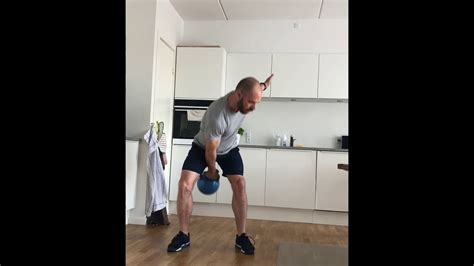 arm swings kettlebell alternative