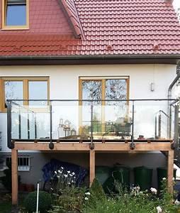 Erhöhte Terrasse Bauen : erh hte terrasse aus bangkirai mit holztreppe und au entreppe wohnung ~ Orissabook.com Haus und Dekorationen
