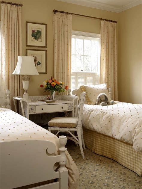 shabby chic bedroom wall colors how to decorate a shabby chic bedroom 22944 bedroom ideas 19683