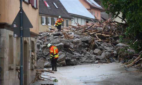 unwetter im suedwesten mehrere tote nach ueberschwemmungen
