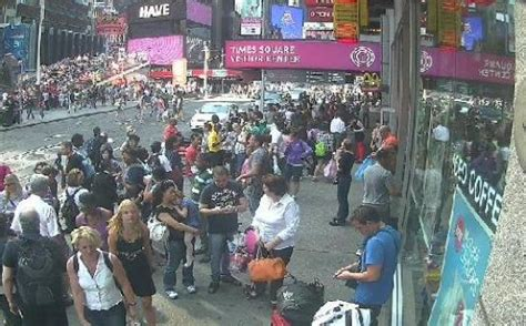 ny live live new york city times square view